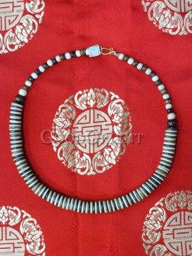 White And Black Tibetan Beef Bone Necklace