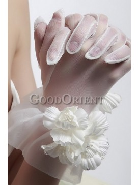 Best wedding accessories- Feather hair flower