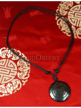 Happy smiling round necklace
