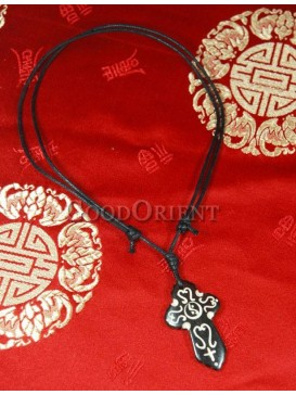 White pattern cross necklace