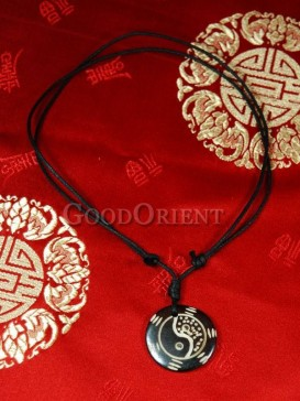 the eight diagrams pattern  black necklace