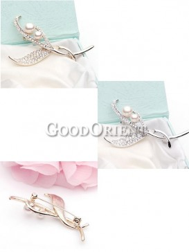 Pearl Lily Brooch