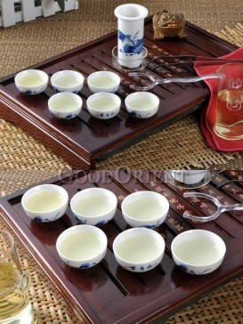 White Ceramics and Wood Kung Fu Tea Set with design
