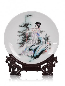 Chinese porcelain decorative plate