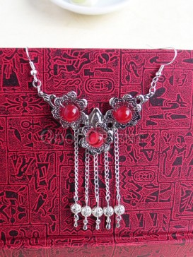 Silver with Red Forehead decoration