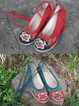 Green and Black Embroidery Ethnic Shoes