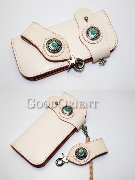 White color leather of men's wallet