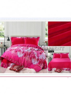 Bedding with paisley pattern design