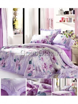 Outstanding bedding with flower prints design