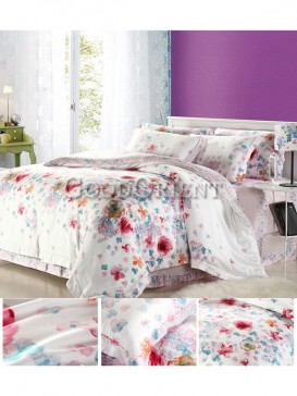Absurd bedding with flower prints design