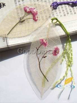 Handcrafted daisy flowers of Leaf bookmark