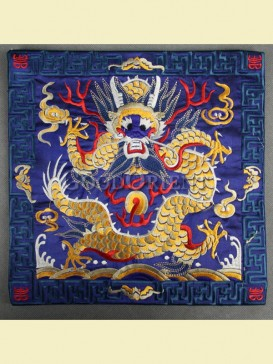 Traditional dragon pattern mouse pad