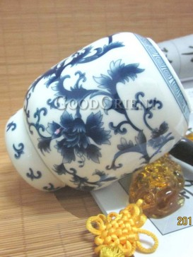 Exquisite flower pattern of tea caddy
