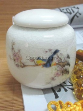 Magpies and Plum blossom pattern of tea caddy