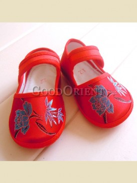 Exquisite embroidery floral pattern baby shoes