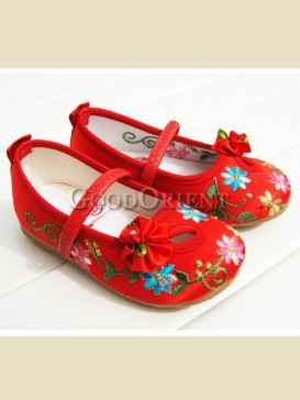 Chinese red with floral pattern baby shoes