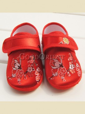 Chinese red with plum blossom pattern baby shoes