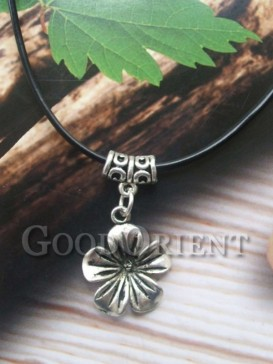 Tibetan floral style necklace
