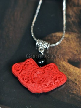 Red lacquer ingot necklace