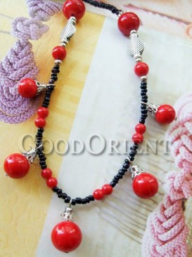 Exquisite red beaded necklace