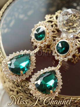 Aristocratic charming earring