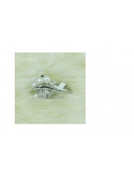 Olive White Freshwater Pearls Ring