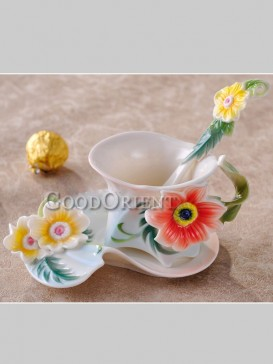 Superb flower enamel porcelain coffee cup