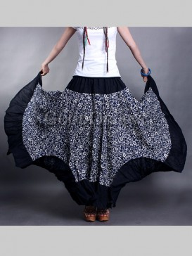 Mysterious White Floral Chinese Skirt