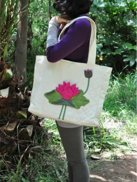 Exquisite Lotus Pattern Cloth Bag