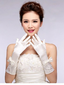 Rice White Bowknot Style Wedding Gloves
