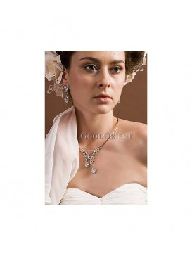 Xin Guang Imitated Crystal Necklace + Earrings Set