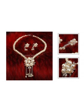 Imitated Pearl Wedding Necklace Set---Flowery Day