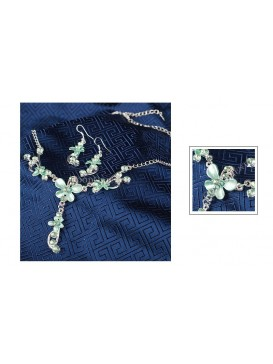 Lily in Summer Necklace & Earrings Set