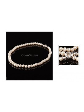 Shining Closure White Round Pearl Necklace