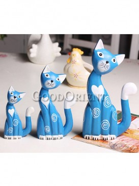 A Family of Cat Decoration