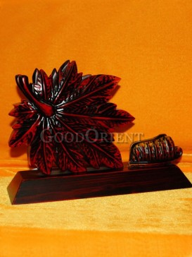 Delicately Engraved leaf figure Desk/Room Decoration
